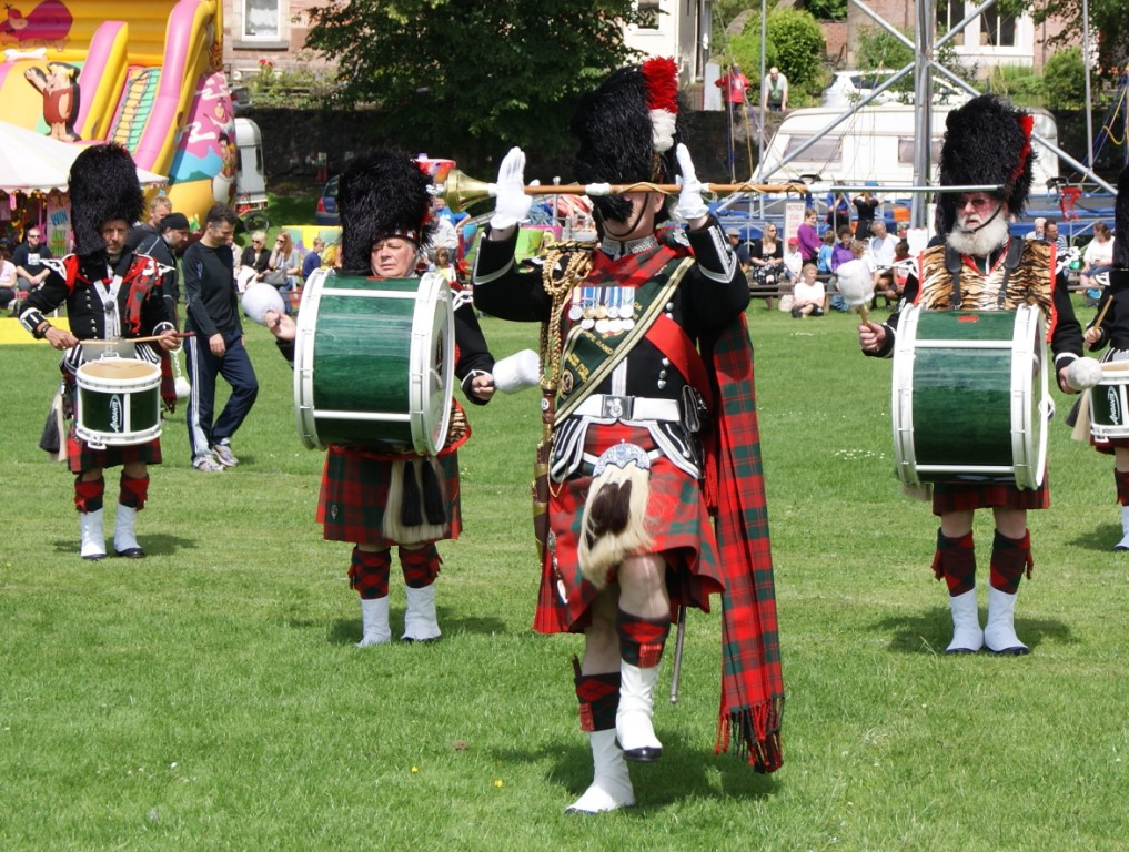 Alloa Bowmar Pipe Band