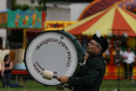 Dungillie Pipe Band