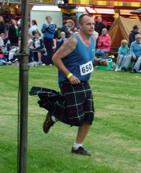 Gordon McNeil, Alva Completes hill race in kilt