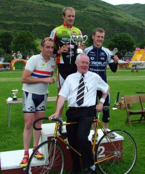 Evan Oliphant winner of 3200m Scottish Cycle